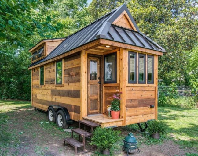 gallery-1471966484-gallery-1471024658-cedar-mountain-tiny-house-001
